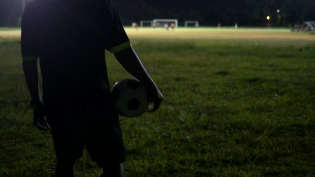 beginning of the soccer match with referee blowing whistle. - autorità video stock e b–roll