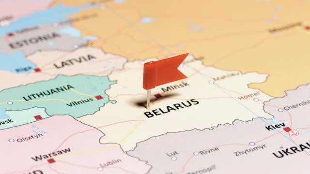 weißrussland mit pin - weißrussland stock-videos und b-roll-filmmaterial