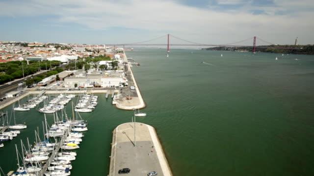 vídeos de stock e filmes b-roll de belem district panorama - ponte 25 de abril