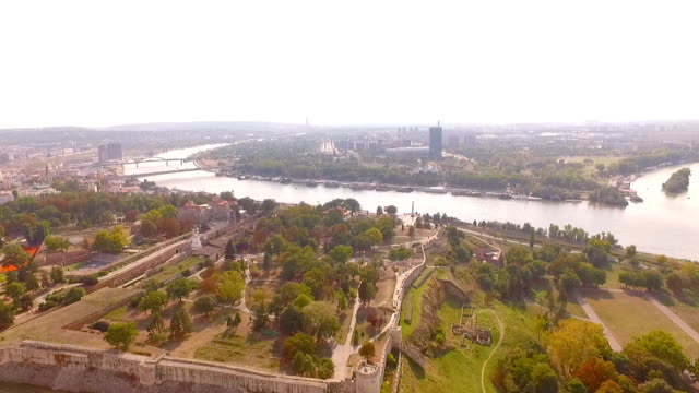 belgrade panorama kalemegdan park fortress areal video serbia - белград стоковые видео и кадры b-roll