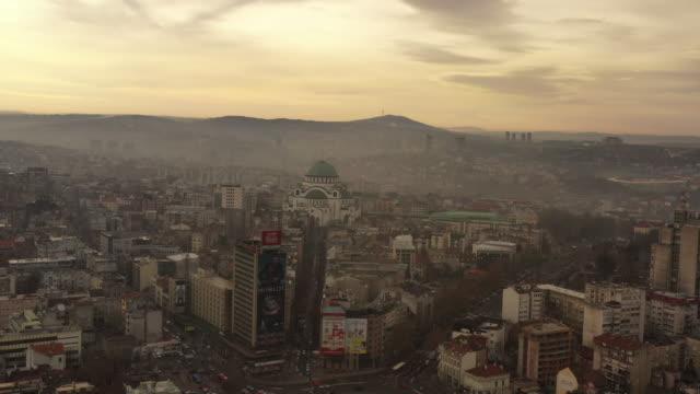 vídeos de stock, filmes e b-roll de belgrado - sérvia, balcãs, igreja de saint sava - belgrado, europa oriental, europa - sérvia