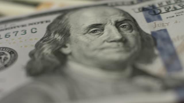 stockvideo's en b-roll-footage met benjamin franklin op nieuwe 100 dollar bill, vrijheid symbool - new world