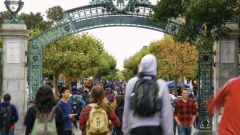 vídeos y material grabado en eventos de stock de campus de uc berkeley - cultura estadounidense