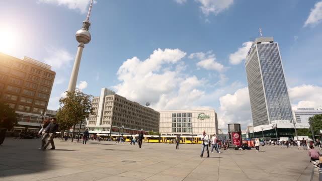 Berliner Alexanderplatz mit Fernsehturm, Zeitraffer – Video
