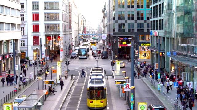 berlin friedrichstrasse, tidsinställd - berlin city bildbanksvideor och videomaterial från bakom kulisserna