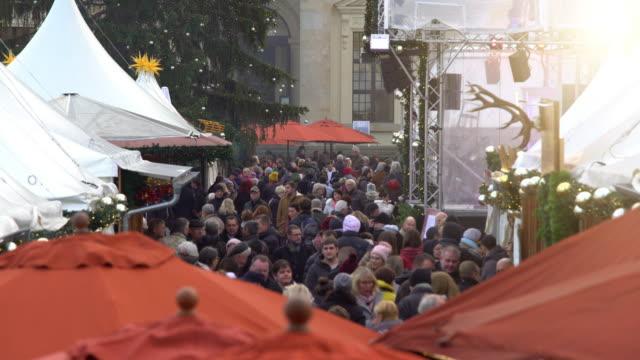 Berlin Gendarmenmarkt at Christmas Time Berlin Gendarmenmarkt at Christmas Time, Time Lapse weihnachten stock videos & royalty-free footage