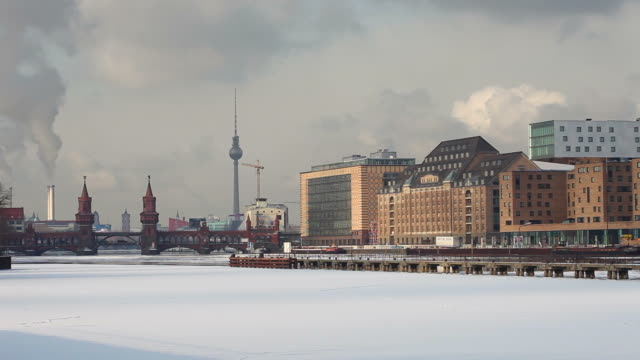 Berlin Panorama in winter - Time Lapse video