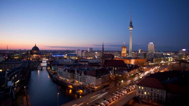 berlin skyline at night - berlin city bildbanksvideor och videomaterial från bakom kulisserna