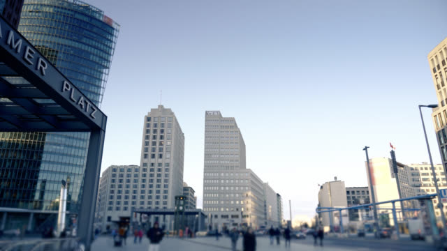 berlin's potsdamer platz hyperlapse video - stadtviertel stock-videos und b-roll-filmmaterial