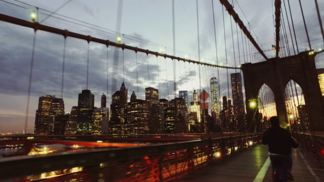 Bicycle POV: night ride on the Brooklyn Bridge, NY city video