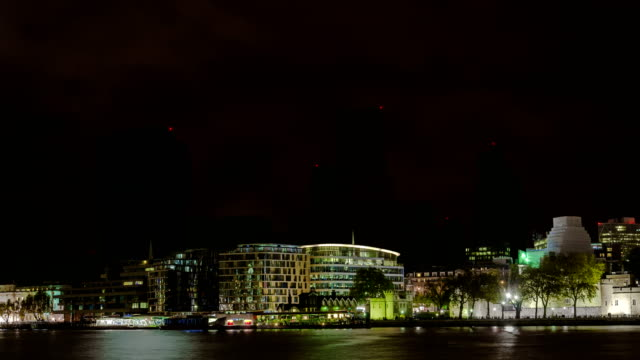 big city skyscrapers power outage-blackout - city of london, finansial district - industria energetica video stock e b–roll