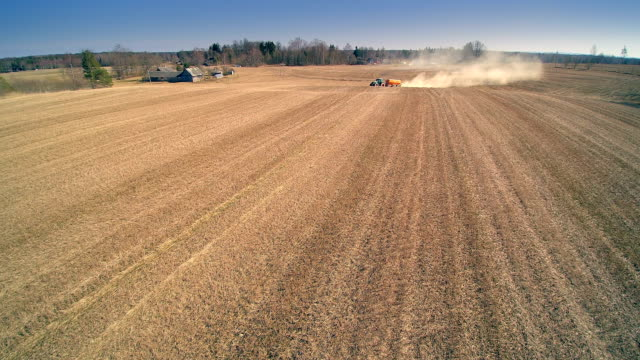 Big dust from the agriliming process video