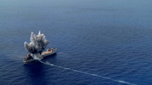 Big explosion in military exercises with old battleship video