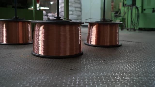 big factory and production line - часть машины стоковые видео и кадры b-roll
