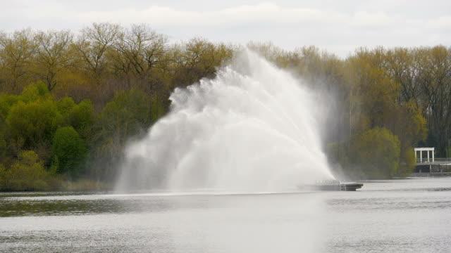 Big fountain in Minsk - slowmotion 180 fps