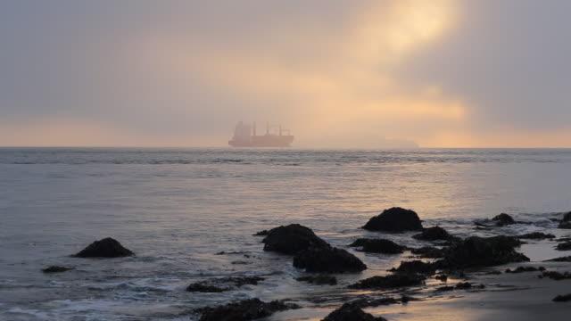 vídeos y material grabado en eventos de stock de gran nave en la bahía de san francisco - bahía