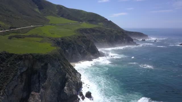 vídeos de stock e filmes b-roll de big sur california aerial footage coast - oceano pacífico