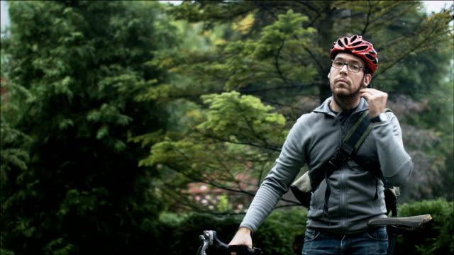 Bike commuting video