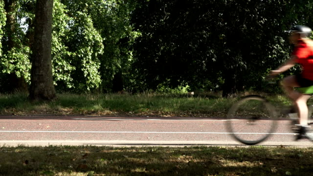 Bikes on a cycle route through Hyde Park. video