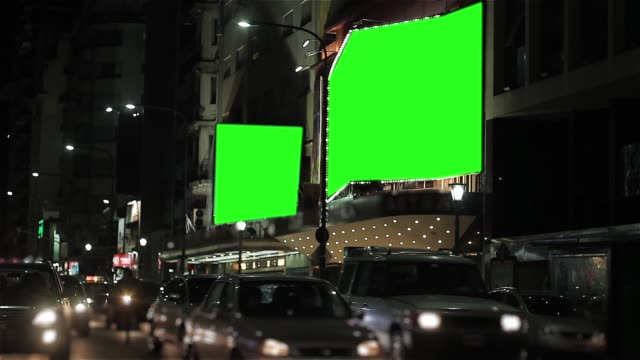 vídeos y material grabado en eventos de stock de billboard con pantalla verde en corrientes avenue, buenos aires. - póster