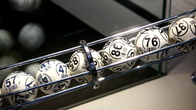 bingo-bälle (hd - lotto stock-videos und b-roll-filmmaterial