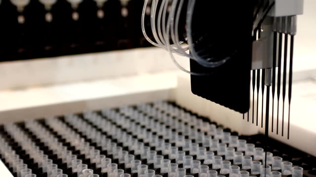 生化学実験(hd - 機械部品点の映像素材/bロール