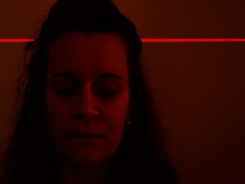 バイオメトリック頭部スキャン - 医療用スキャン点の映像素材/bロール