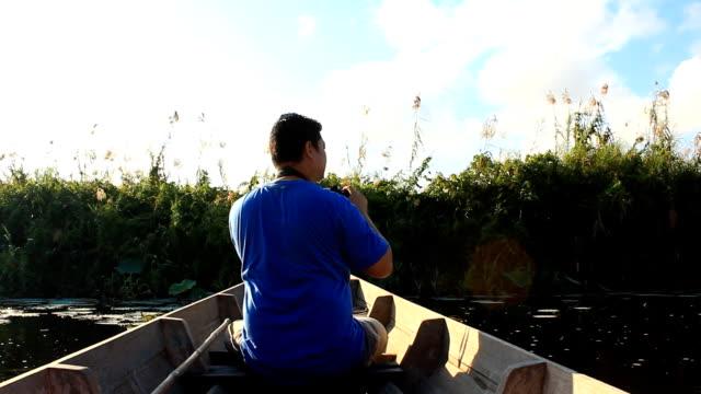 Bird watcher auf dem Boot – Video