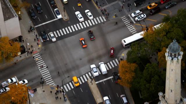 鳥眼觀的芝加哥市中心 - 道路交叉口 個影片檔及 b 捲影像