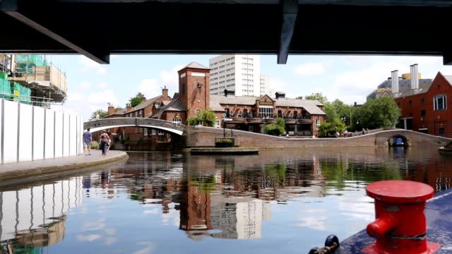 vídeos y material grabado en eventos de stock de centro de la ciudad de birmingham canales. - estrecho