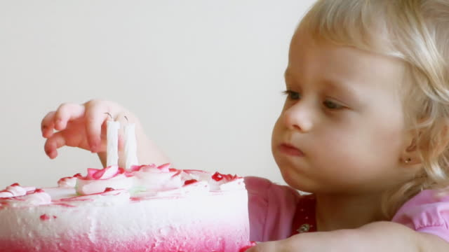 Gâteau de naissance bébé - Vidéo