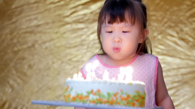 Birthday of the little girl video
