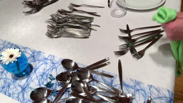birthday party preparation, plate set-up and meal equipment - icona posate video stock e b–roll