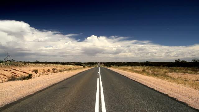 bitume road - lungo video stock e b–roll