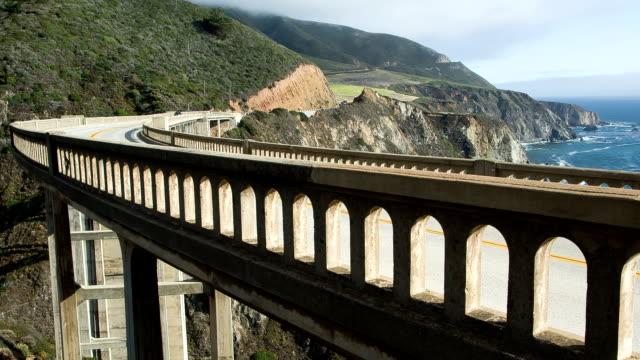 vídeos de stock e filmes b-roll de ponte de bixby - estrada 001