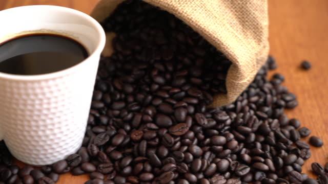 schwarzer kaffee - schwarzer kaffee stock-videos und b-roll-filmmaterial