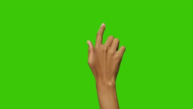 黒女性のタッチ画面のジェスチャー - 指点の映像素材/bロール