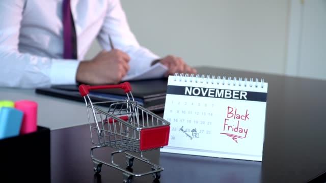 black friday - speciella dag - calendar workout bildbanksvideor och videomaterial från bakom kulisserna