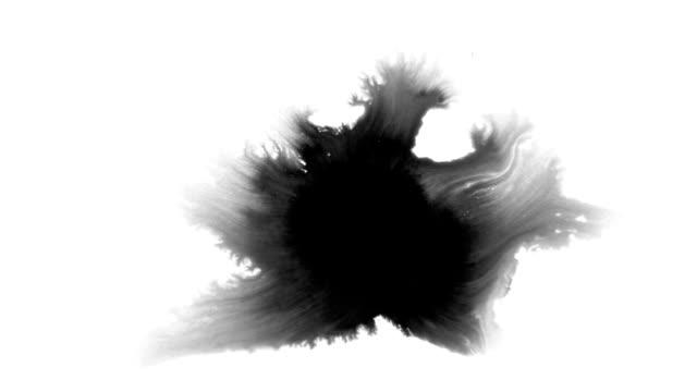 ブラックインクドロップ - インク点の映像素材/bロール
