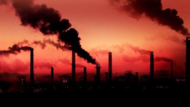 stockvideo's en b-roll-footage met black smoke - broeikasgas
