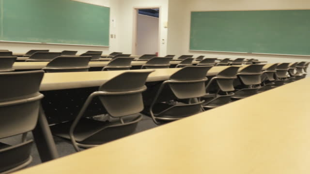 Tafel in leer Universitätsaula – Video