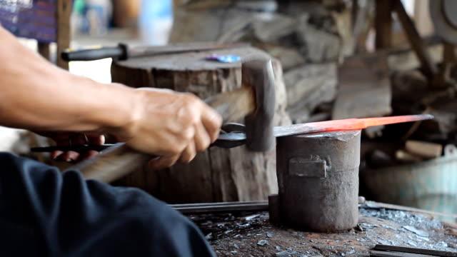 Blacksmith making knife video