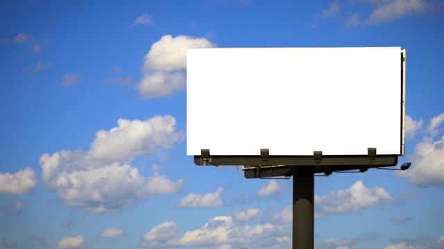 stockvideo's en b-roll-footage met blank billboard with cloud time lapse - verkeersbord