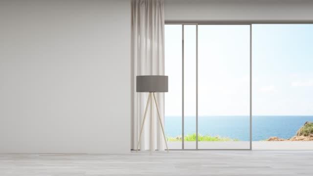 モダンな家や豪華なヴィラの大きなリビングルームの空の木製の床に空白の壁。 - デッキ点の映像素材/bロール