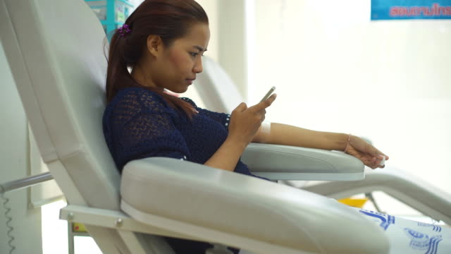Blood donation and using Smartphone video