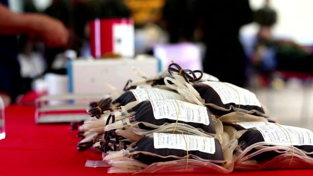 vídeos de stock e filmes b-roll de doação de sangue - blood donation