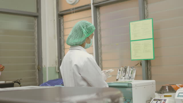 blood testing machine at laboratory-stock video video