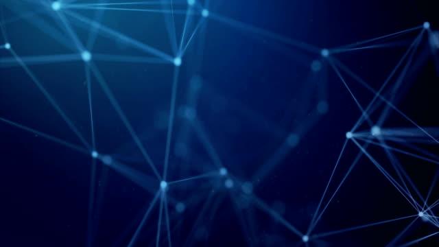 blå abstrakta digitala begreppet geometriska figurer: polygon plexus fraktaler flyttar, ansluta sinsemellan och med partiklar. triangulära tekniska koncept. sömlös loop animation - nod bildbanksvideor och videomaterial från bakom kulisserna