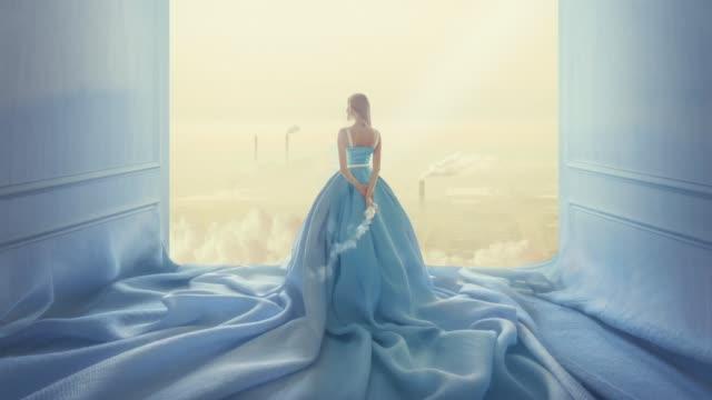 blue dreams in blue room - сюрреалистический стоковые видео и кадры b-roll
