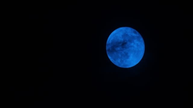Blue full moon moving up 4K DCI